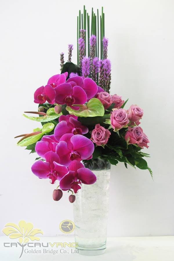 Kiểu cắm hoa theo chiều dọc